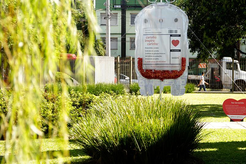 Bolsas de sangue ativaram a maior campanha de doação de sangue do Brasil durante a Copa do Mundo.