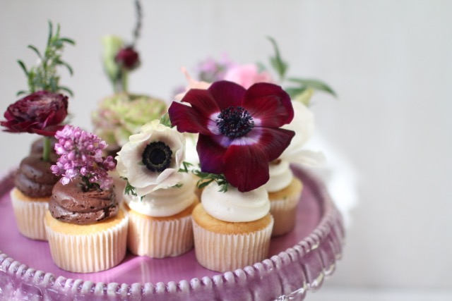 Astounding A Bakeshop Phoenix Bake Shop Wedding Cakes Birthday Cakes Birthday Cards Printable Trancafe Filternl