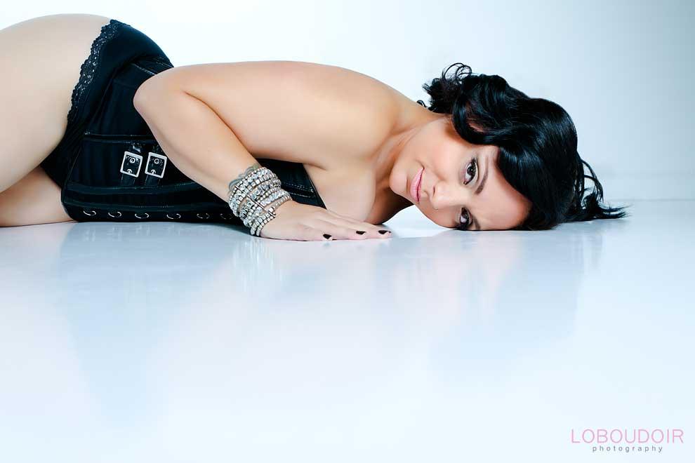 plus-size-boudoir-photography-by-nj-boudoir-photographers-loboudoir
