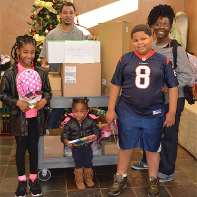 Hurricane Harvey survivors receiving donations from Smarty Pants