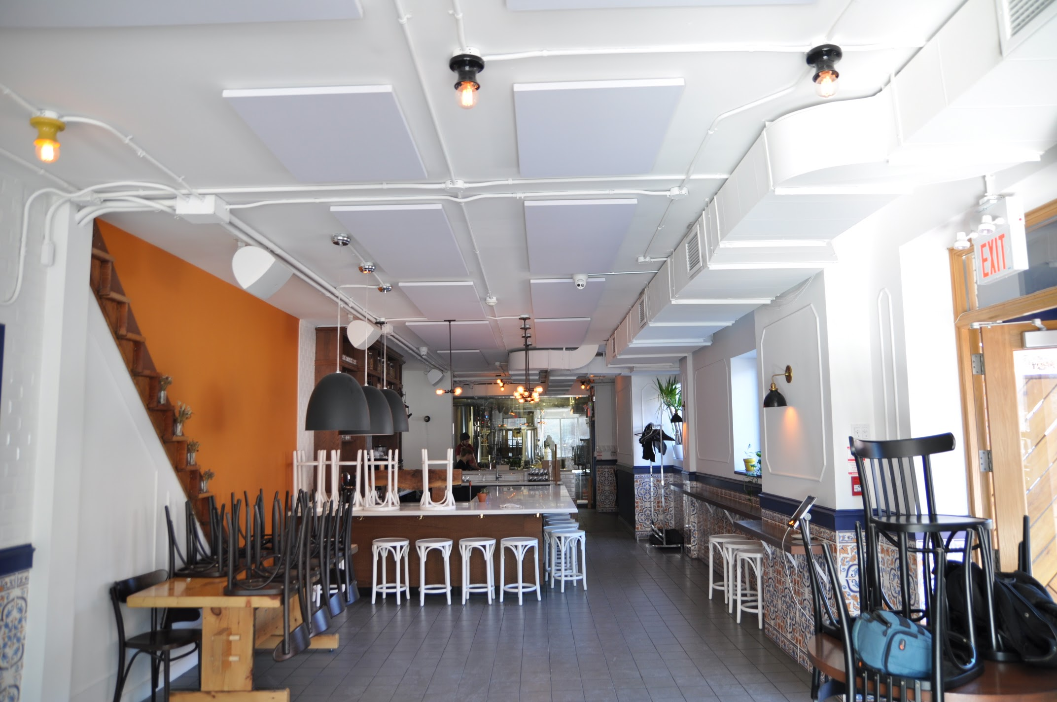 acoustic-panels-at-work-in-a-toronto-restaurant