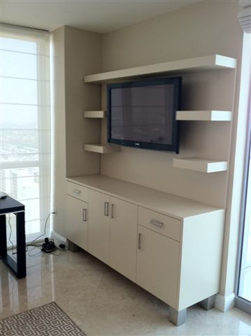 Lacquered Media Unit/ Stainless Steel Legs And Handles