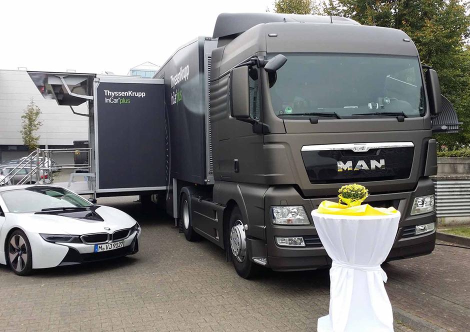 Promotion-Auflieger und Roadshows durch Ligthart Mobile -  ThyssenKrupp InCar Plus 3