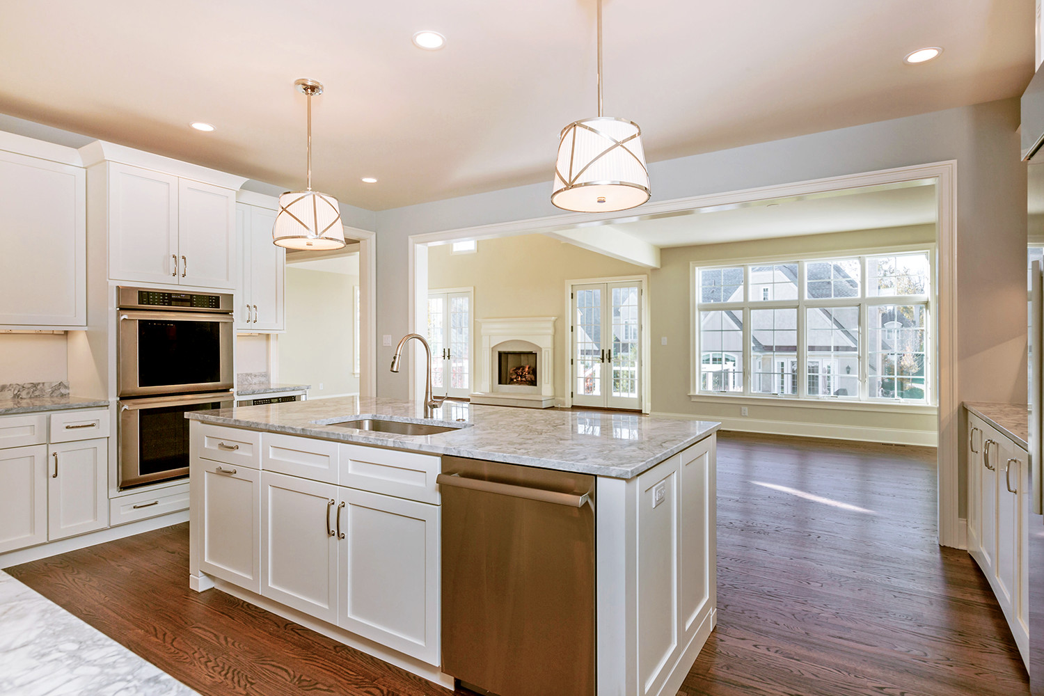 Haverford Reserve center kitchen island
