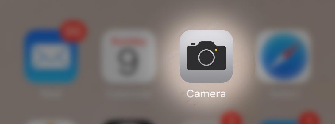 iphone screenshot highlighting camera app