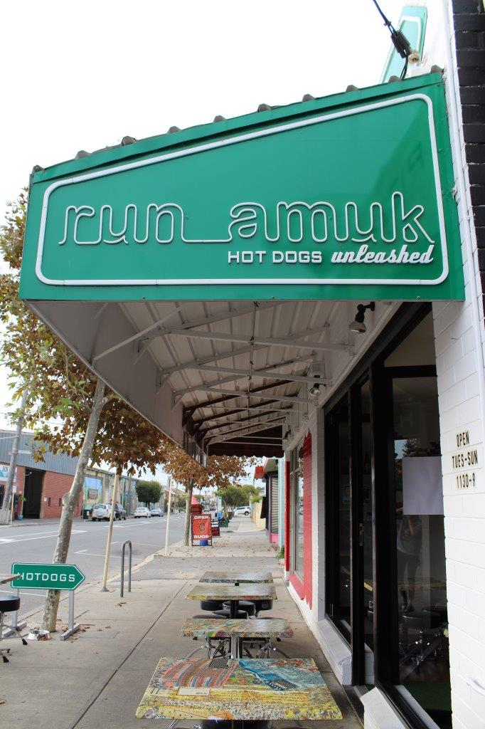 Run Amuk: Hotdogs unleashed