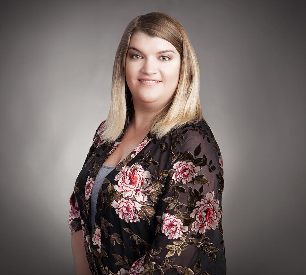 Andrea Wnuk Bio Photo