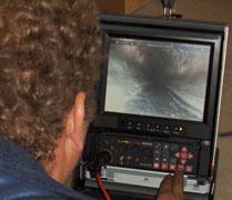 Wat is rioolinspectie? Het riool inspecteren geeft duidelijkheid van de situatie en voorkomt een terugkerend rioolprobleem.