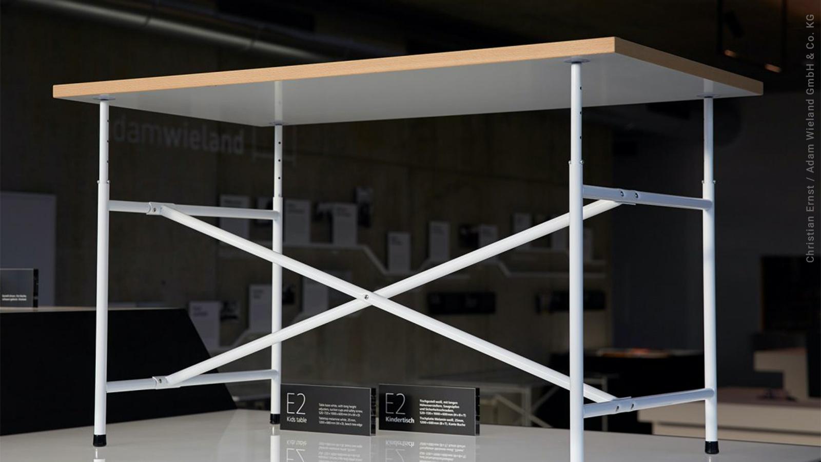Ein Eiermann-Tisch von Adam Wieland