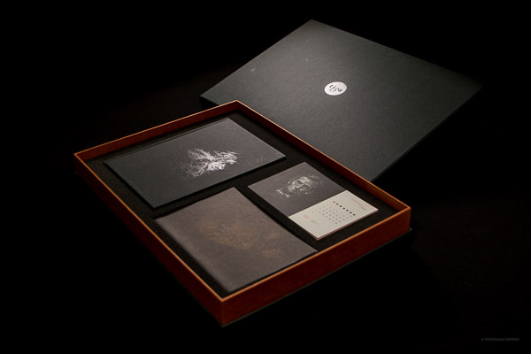 Tiga Set Box