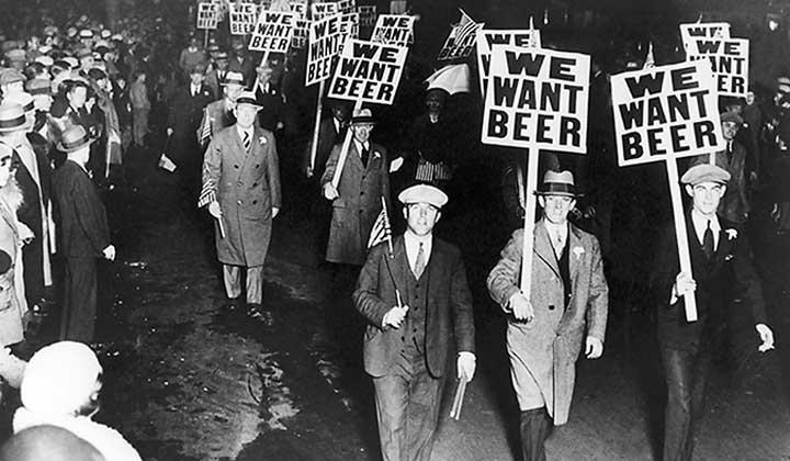 Manifestation en faveur de la bière et contre la prohibition aux Etats-Unis