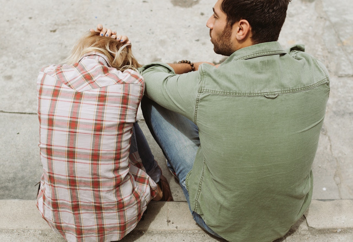 Image of upset man and woman.