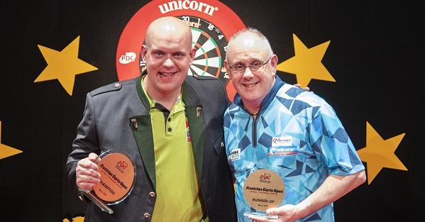 Michael van Gerwen & Ian White (Kais Bodensieck, PDC Europe)