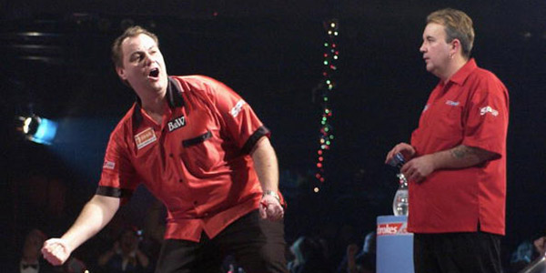 John Part celebrates defeating Phil Taylor in 2003 World Championship Final (PDC)
