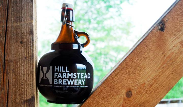 Les bières de la brasseries Hill Farmstead sont vendues en growlers