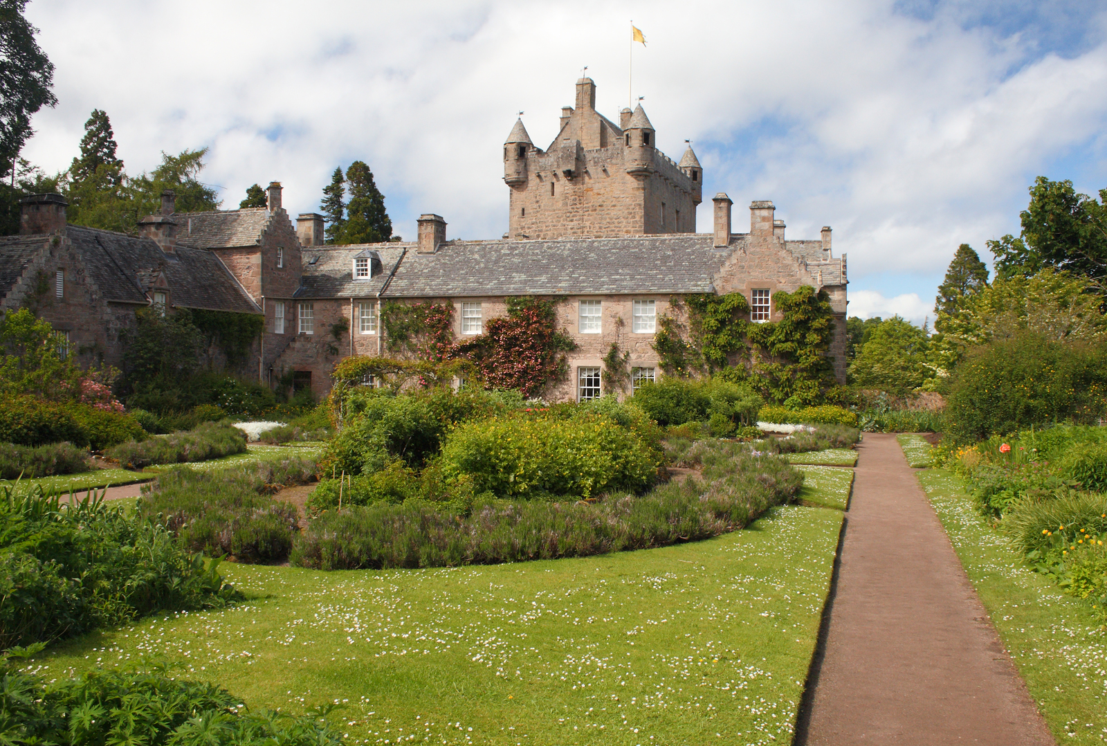 Take a private tour of Cawdor Castle with its fantastic walks and gardens