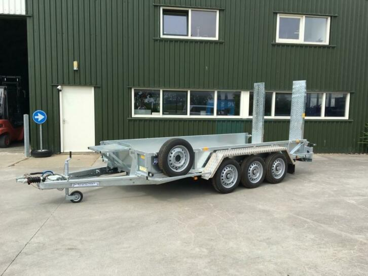 IFOR Williams GP 146H/3 machinetransporter NIEUW