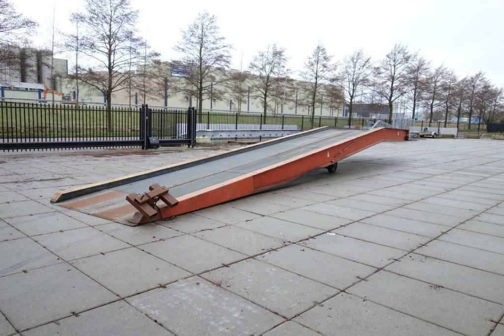 Speciaalbouw laadbrug 15m Extra lang