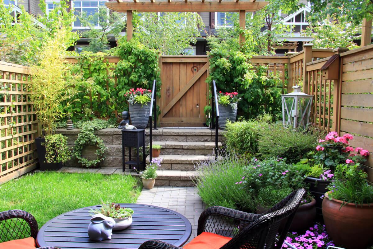 small backyard outdoor designs