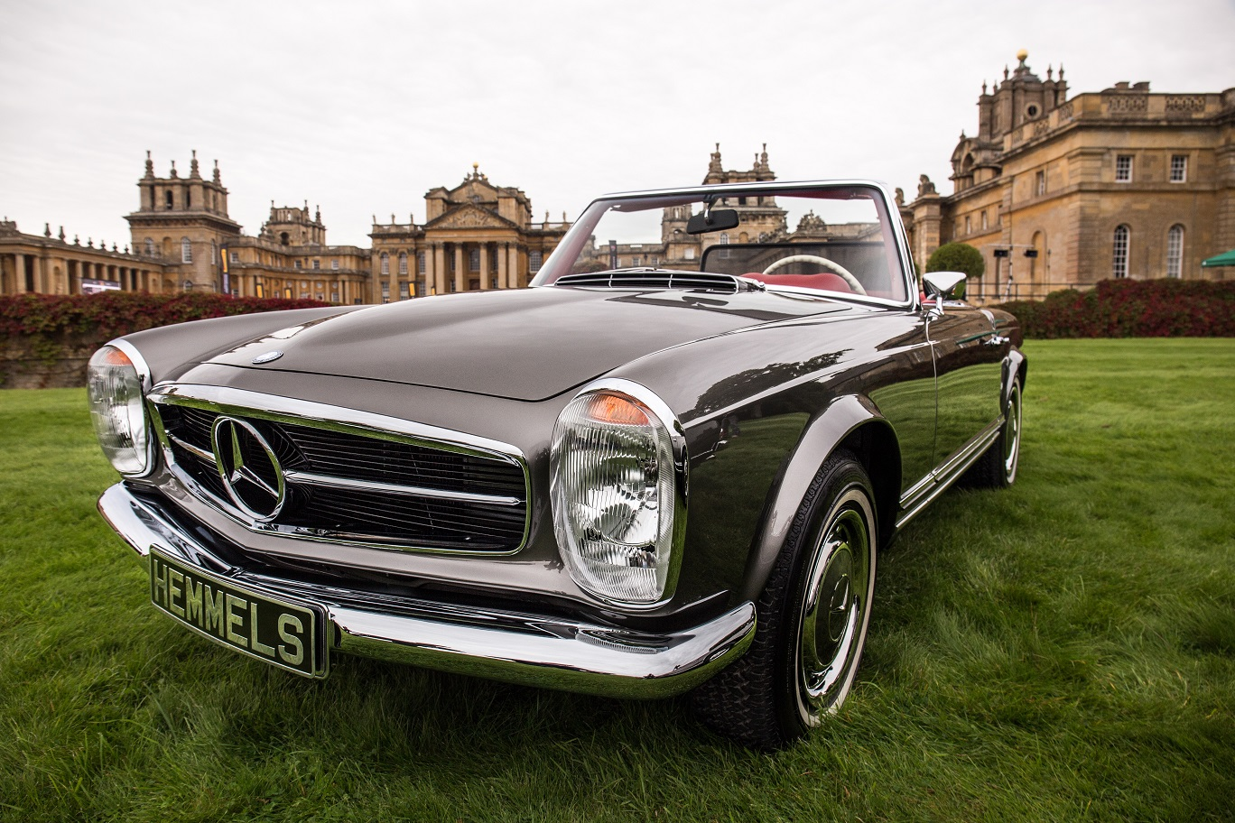 Mercedes-Benz W113 280SL Pagoda by Hemmels at Belnhem Castle