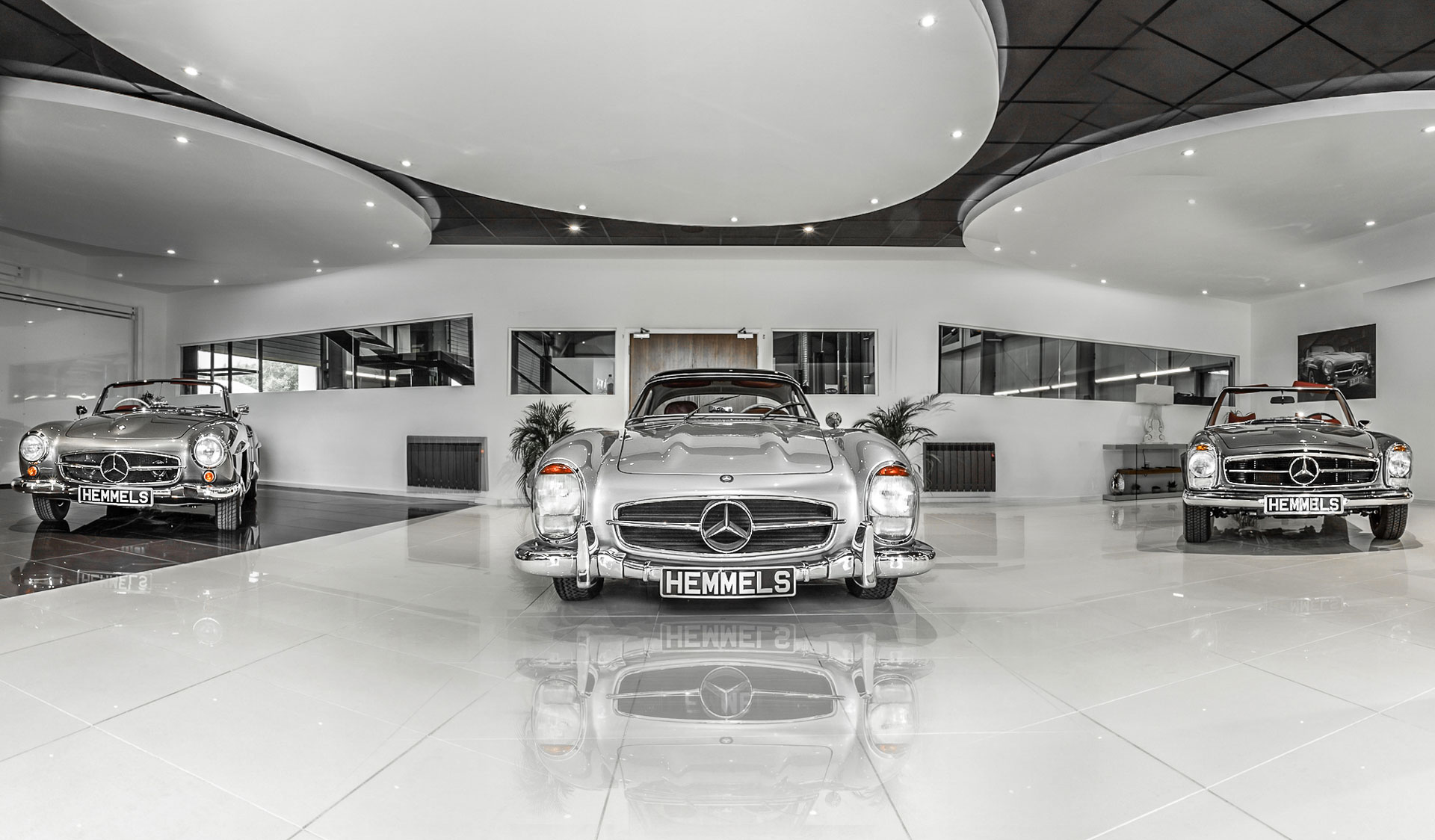 Classic Mercedes 300SL, 280SL and 190SL in the Hemmels showroom