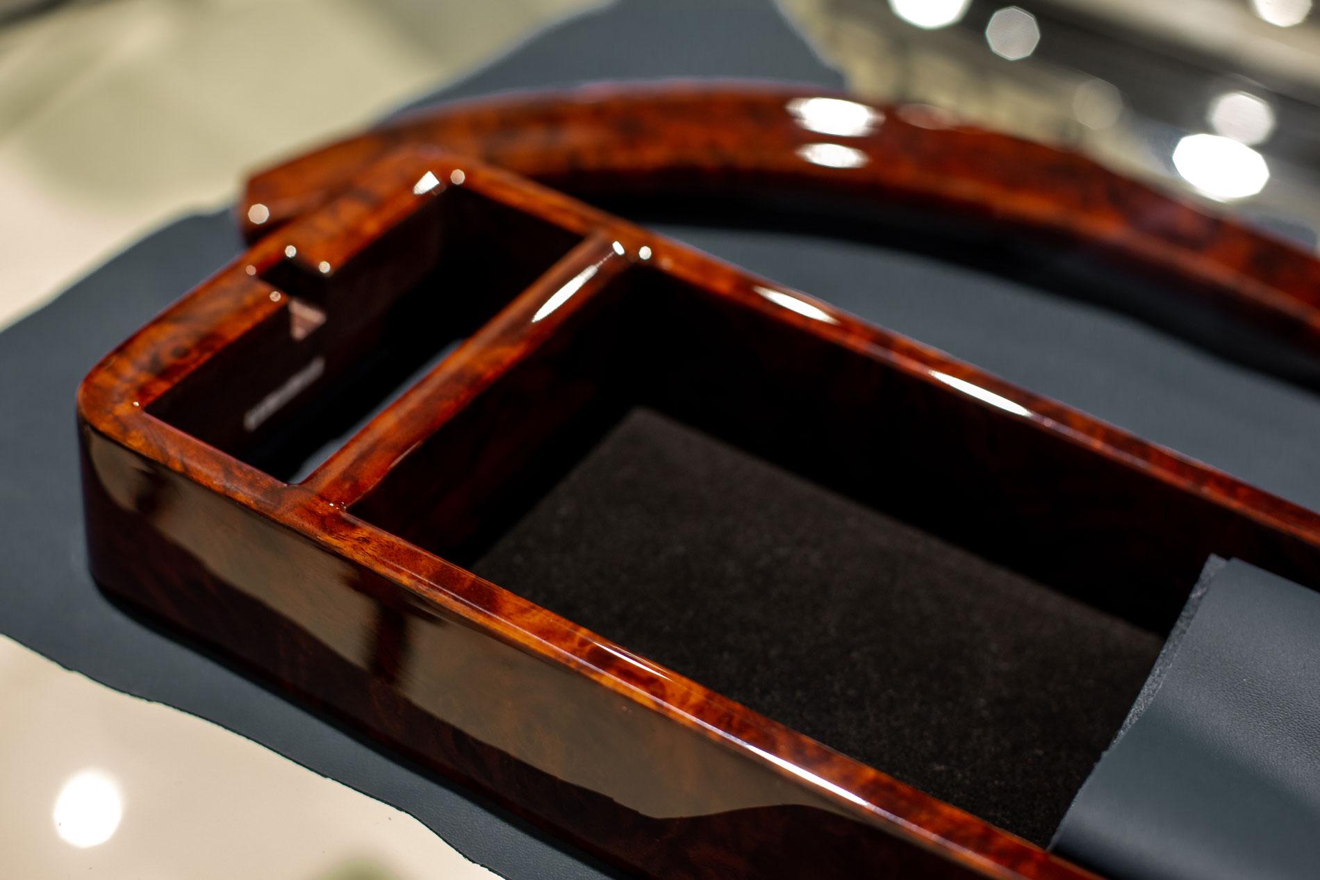 Hemmels Mercedes Classic Service Wood
