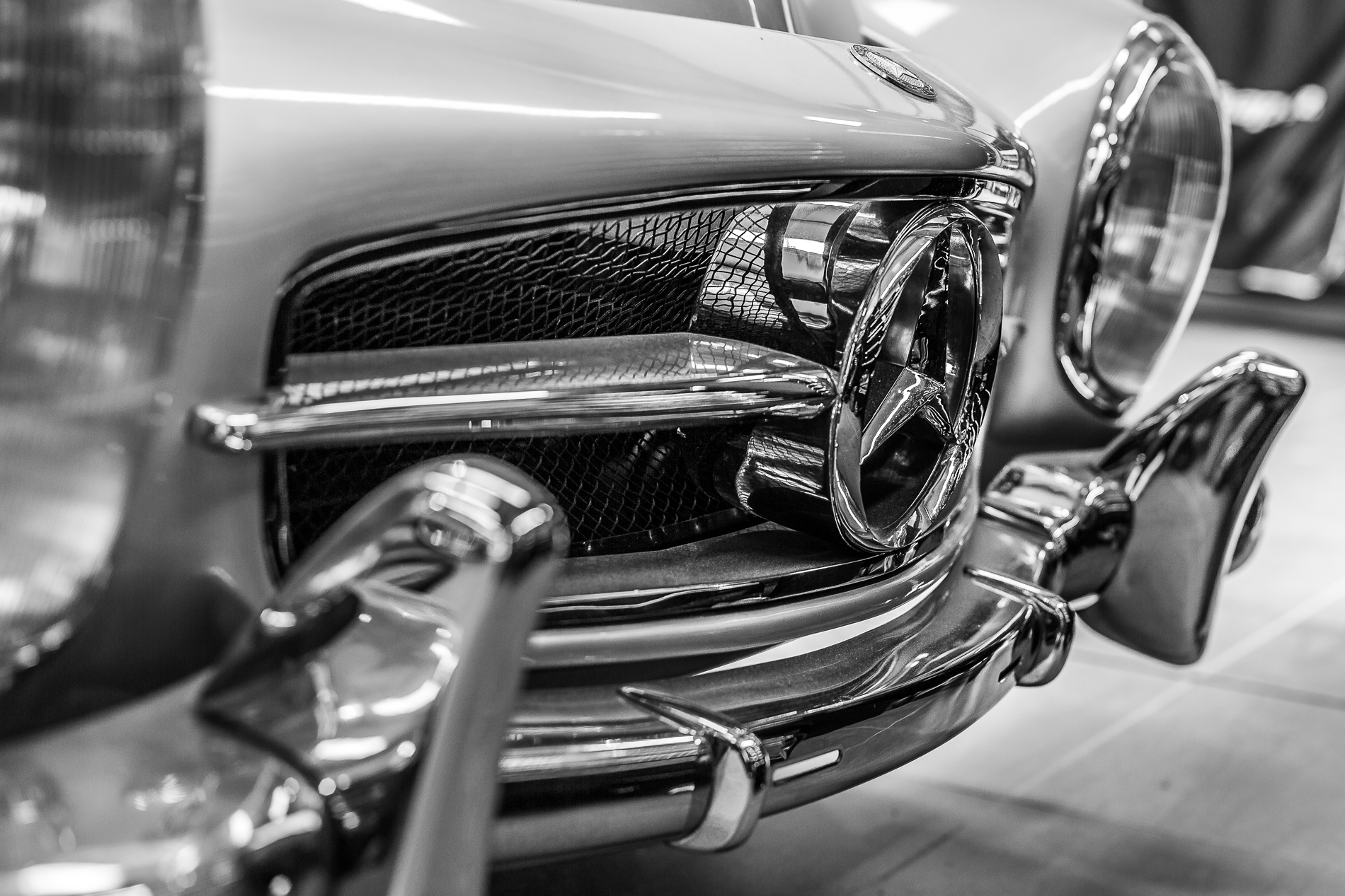 Metallic silver Mercedes-Benz 190SL W121