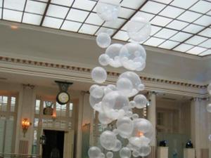 beautiful balloon sculpture