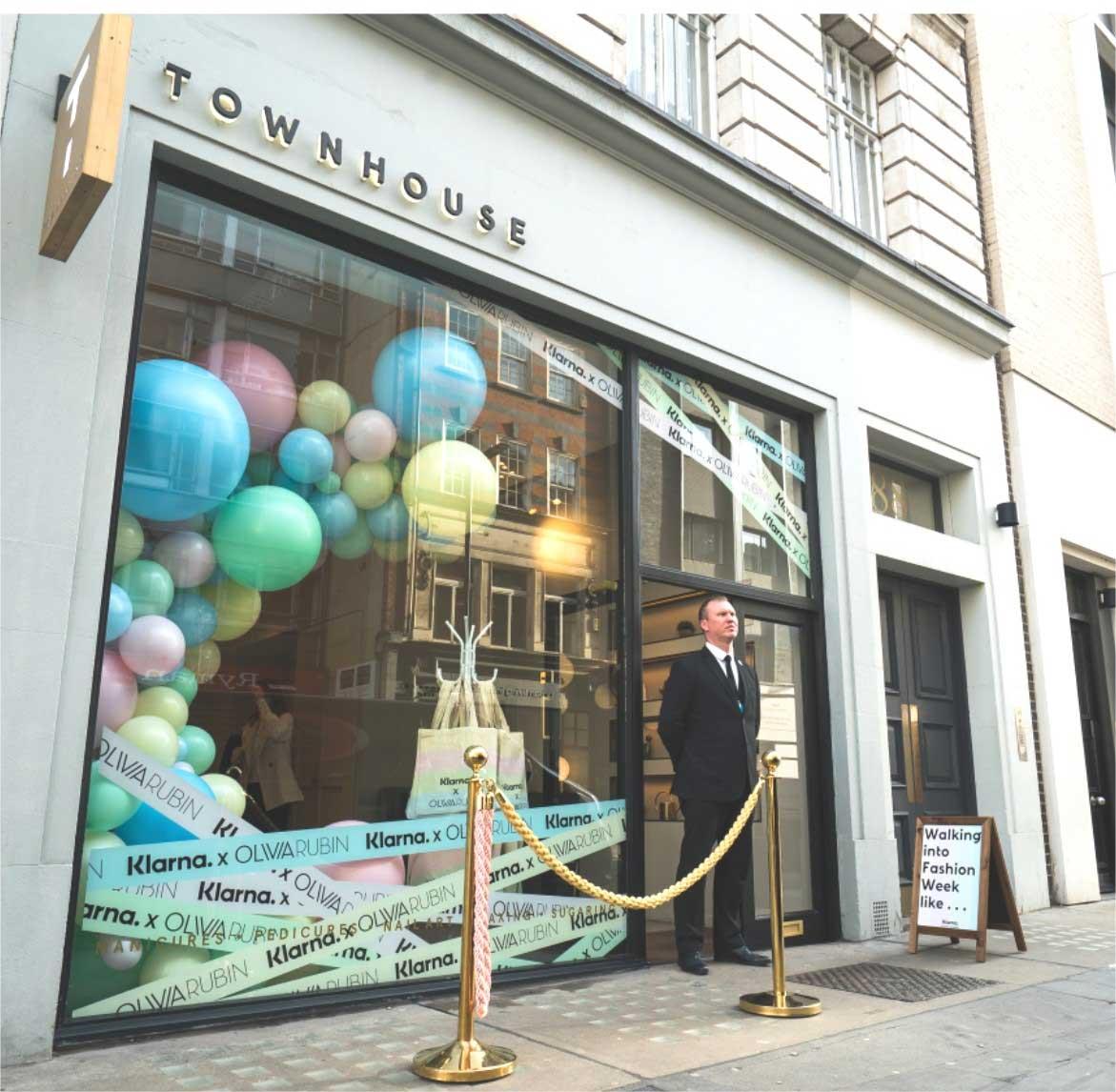 Organic Balloon Arc in London