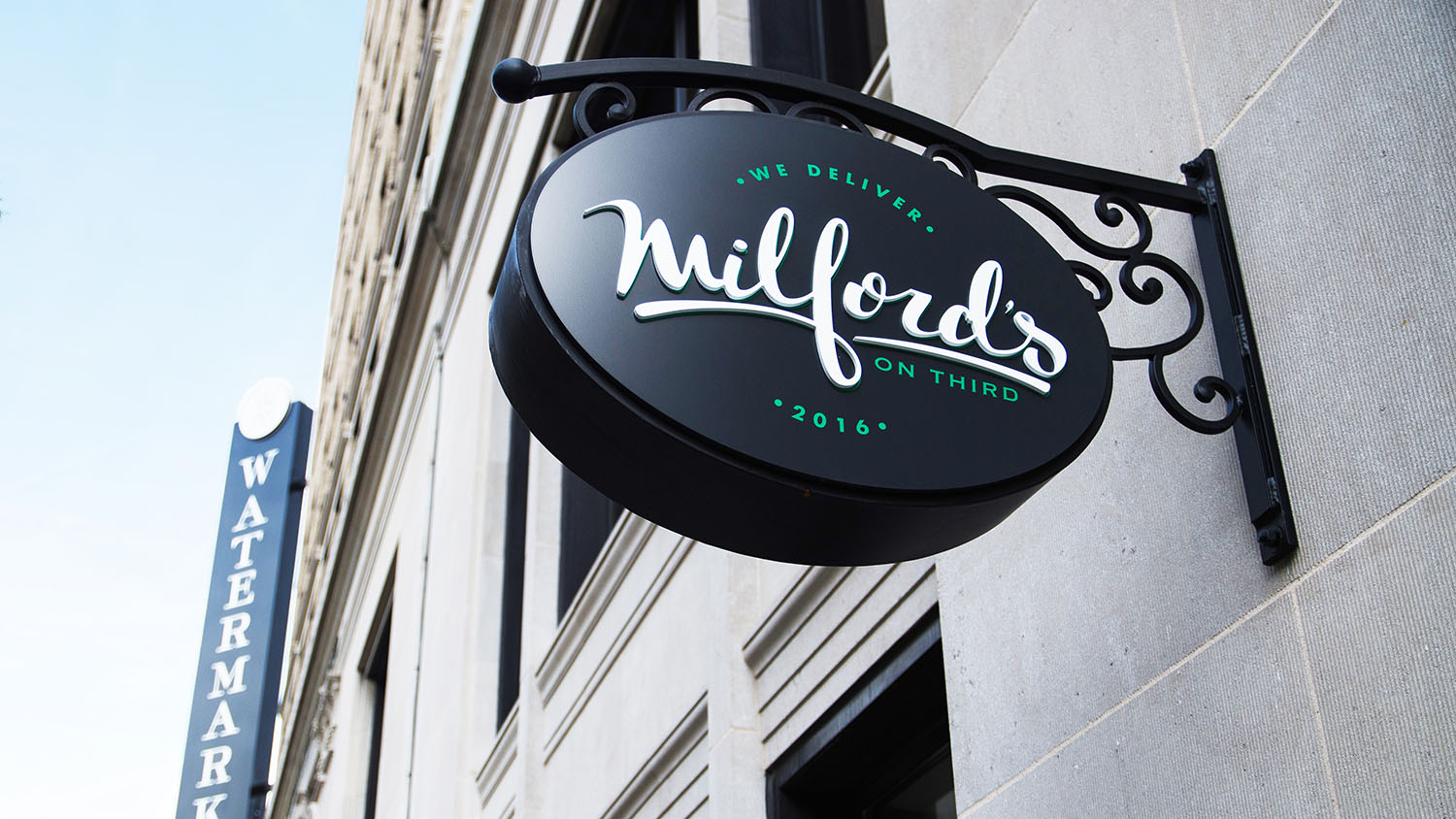 Milford's | Signage