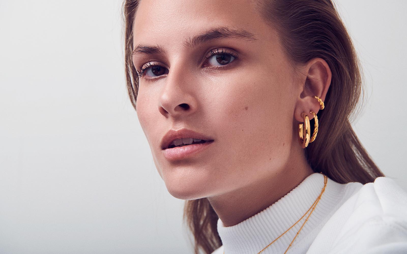 Saga hoop earrings, gold