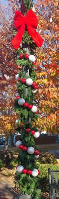 Street Pole Christmas Decor