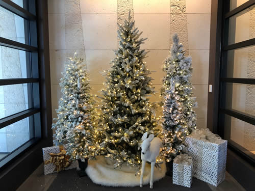 Atlanta Hotel Holiday Decorations