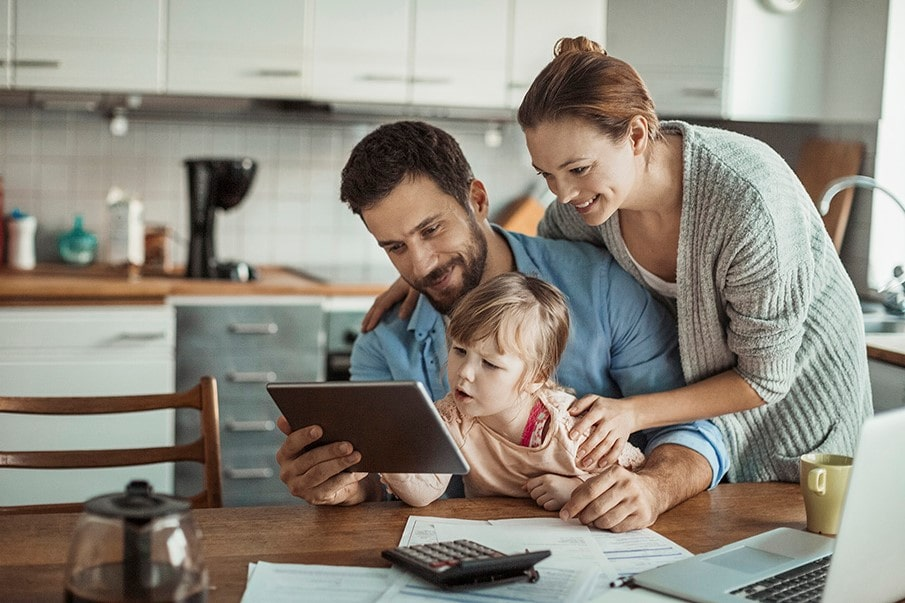 13 Apps and Services That Save (& Earn!) Parents Money