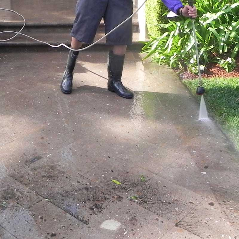 Meticulous pressure washing in Methuen
