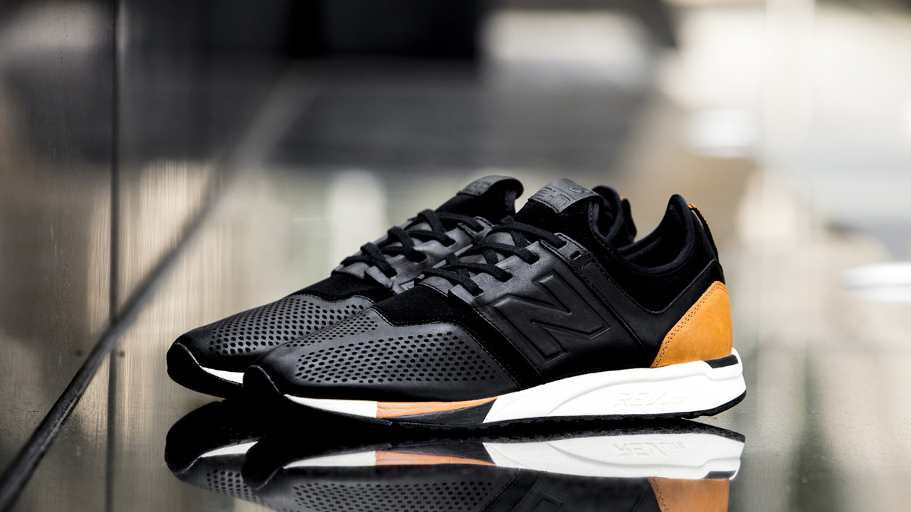 competitive price 68210 510dd New Balance 247 Luxe Pack - Black   Brown