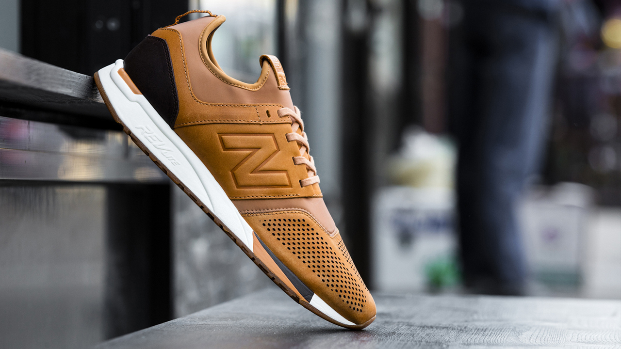premium selection 64333 175c2 New Balance 247 Luxe Pack - Brown   Black