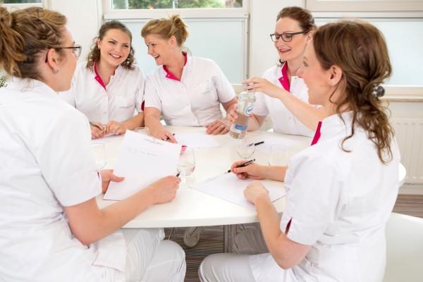 Team van deskundige huidtherapeuten en medisch pedicure van Laserkliniek Zwolle-Huidtherapie.
