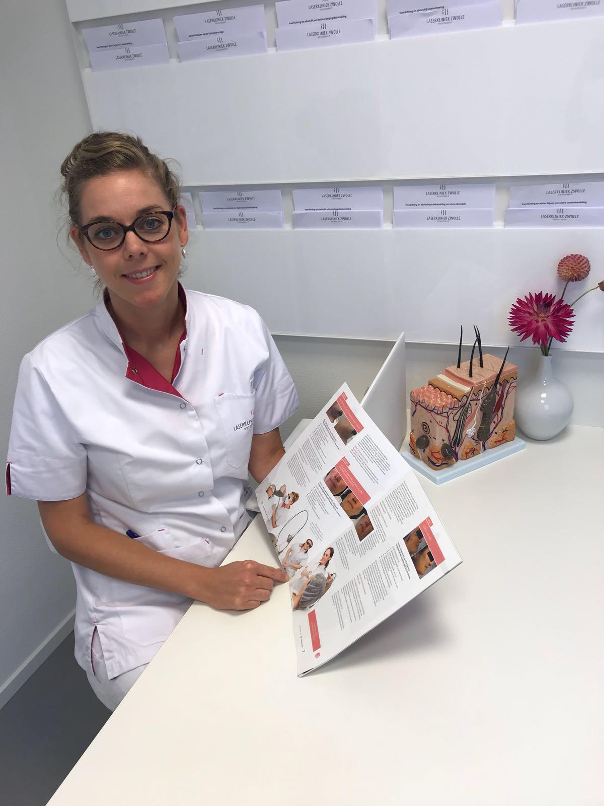 Artikel in het blad van de Nederlandse Vereniging Cosmetische Geneeskunde (NVCG).