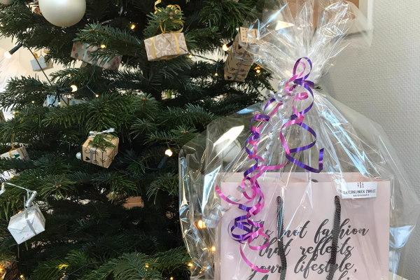 Gun je huid een kerstcadeautje en maak kans op een huidverzorgingspakket bij Laserkliniek Zwolle.