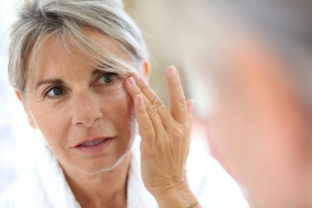 Parfum vindt de huid niet fijn. Kies voor huidverzorgingsproducten die kalmeren en herstellen - Laserkliniek Zwolle-Huidtherapie