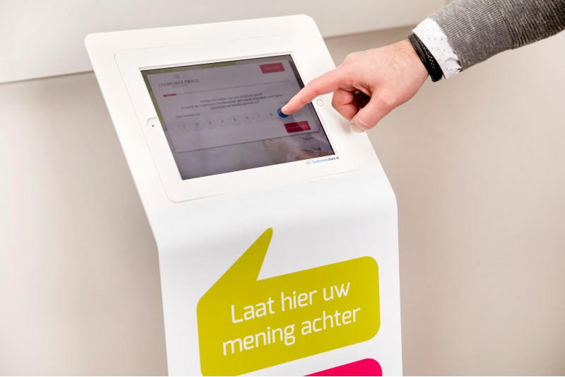 Dankzij inzet van handige technologie zoal de enquêtezuil, krijgen steeds meer waarderingen op ZorgkaartNederland 'groene vinkjes'. Deze waarderingen wekken nog meer vertrouwen dan andere.