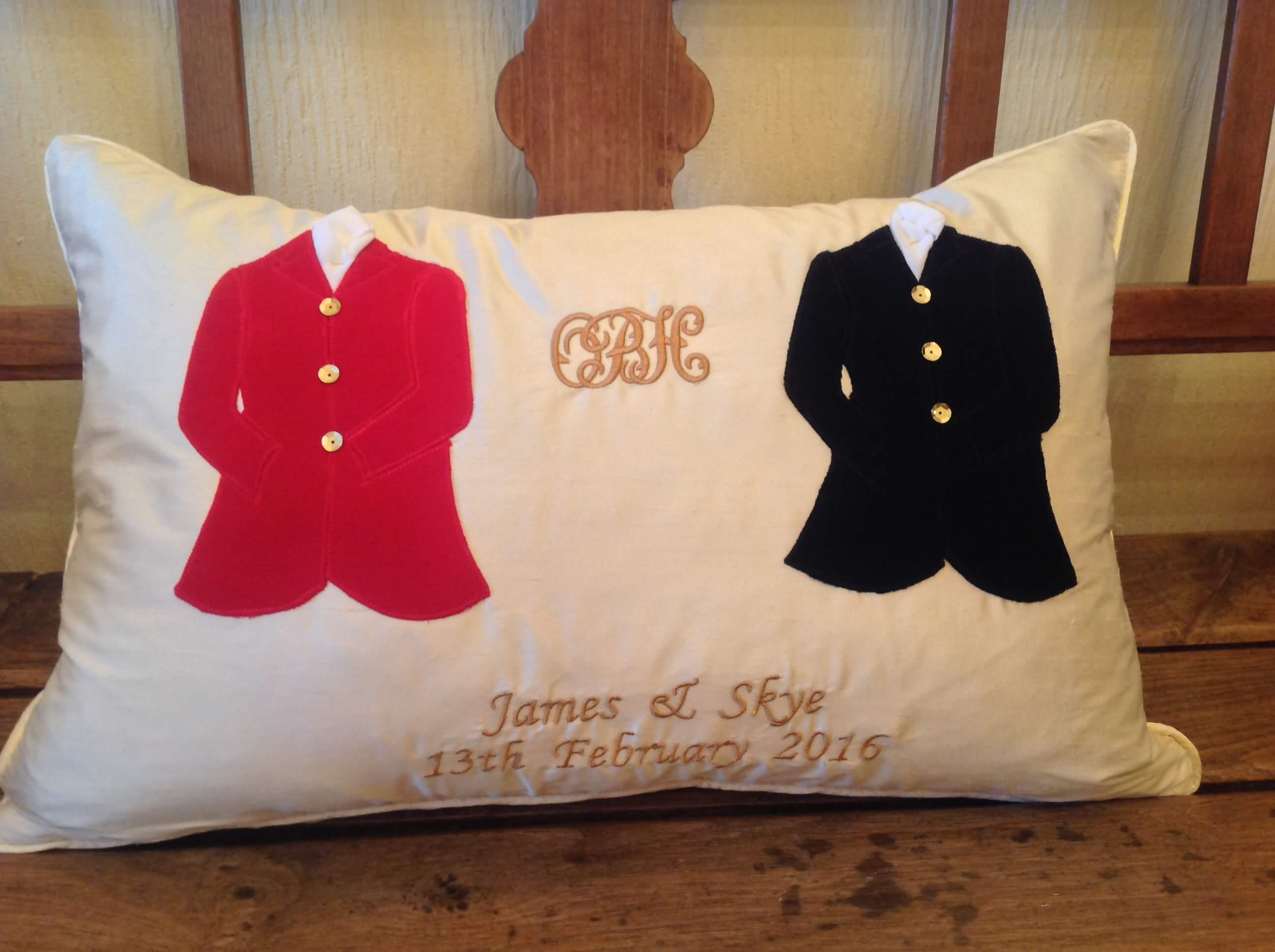 Winning Memories Hunt Wedding Cushion