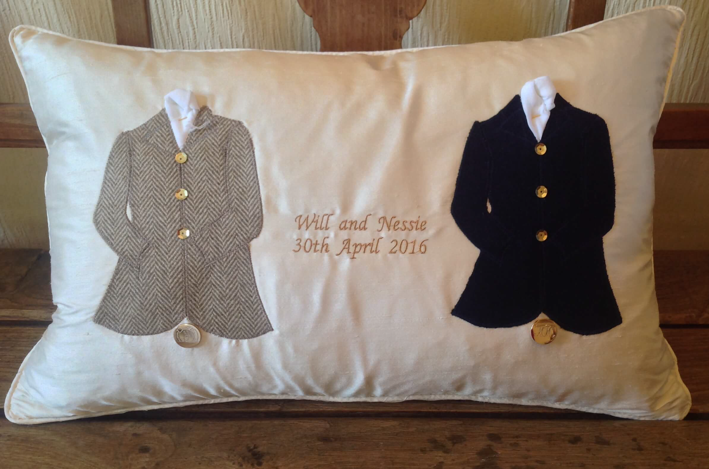 Winning Memories Hunt Wedding Cushion