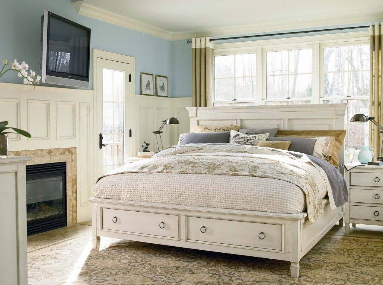 How To Make The Most Out Of A Small Master Bedroom