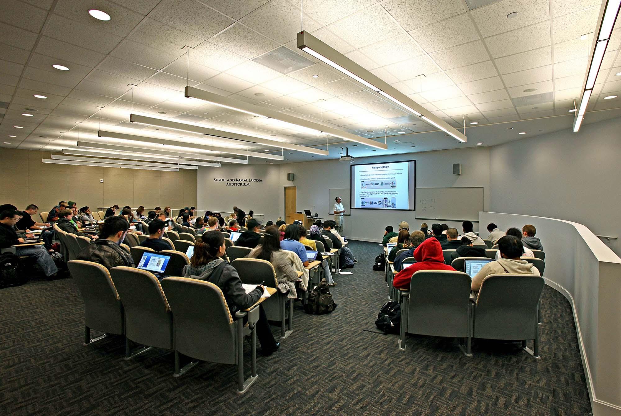 George Mason University, Long and Kimmy Nguyen Engineering Building