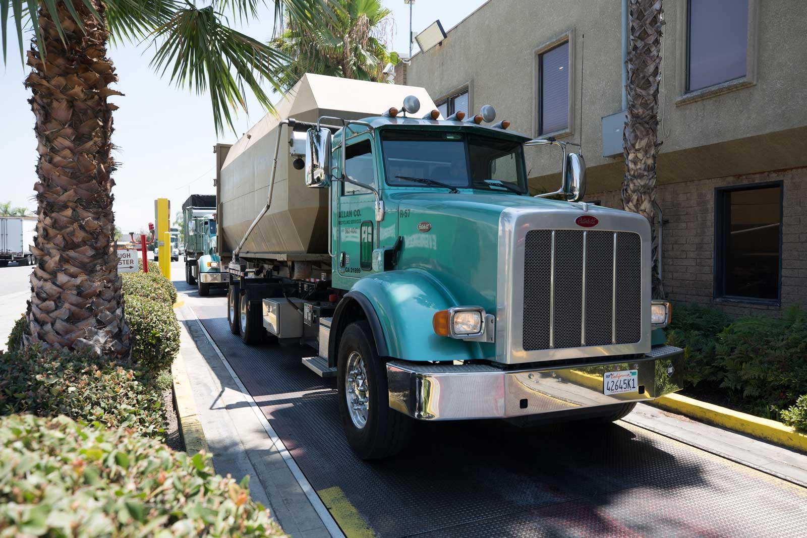 Allan Company Recycling Truck