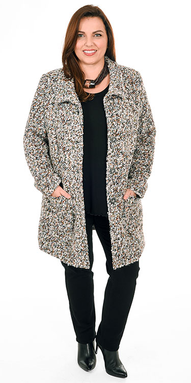 This model is wearing a stunning boucle jacket from Mona Lisa over an Exelle long sleeved t-shirt and Robell super skinny super stretch Elena jeans. Available in plus sizes from Bakou in West Wimbledon