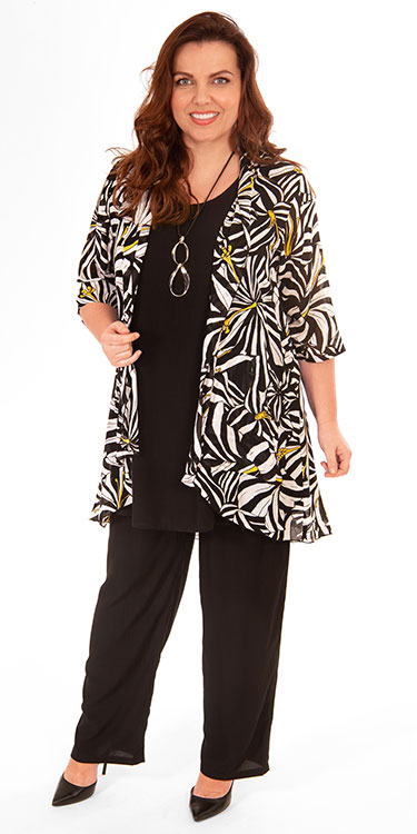 This model is wearing a stunning patterened kimono jacket by Angel Circle teamed with Angel Circle long black vest and trousers. Available in plus sizes from Bakou.