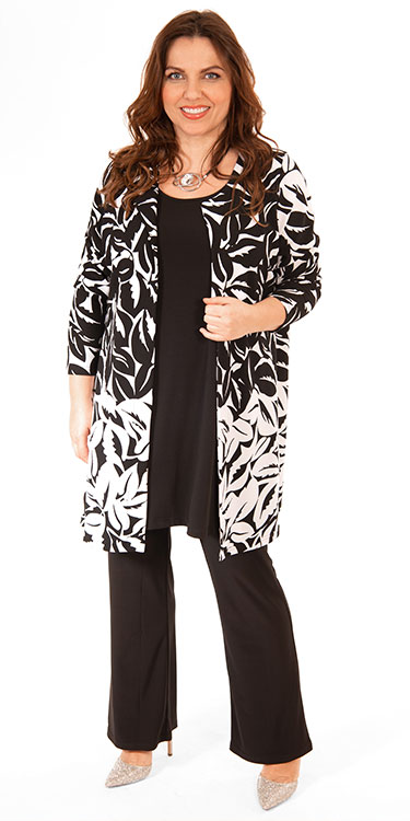This model is wearing a stylish black and white Ying Yang jacket from Yoek teamed with Yoek silky jersey a line vest and silky jersey bootleg trousers. Perfect for a Spring wedding!